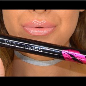COPY - HP 💄 WunderKiss Lip Plumping Gloss